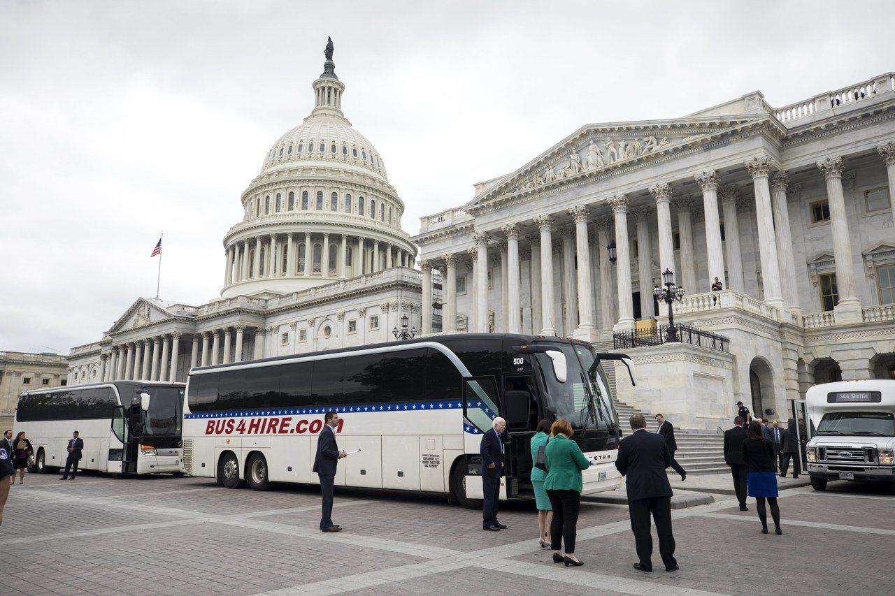 川普版本的健保改革法案,因四名共和黨議員宣布不支持,在美國參院難以過關。 歐新社