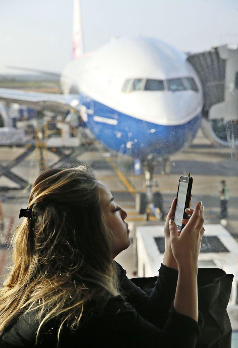 出國就是要打卡 SIM卡怎樣挑最省?