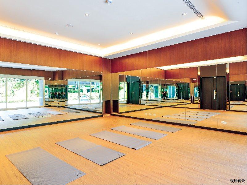 元氣瑜珈教室於與戶外的5000坪大花園融為一景,健康鮮氧輕鬆有。 圖/陽光p...