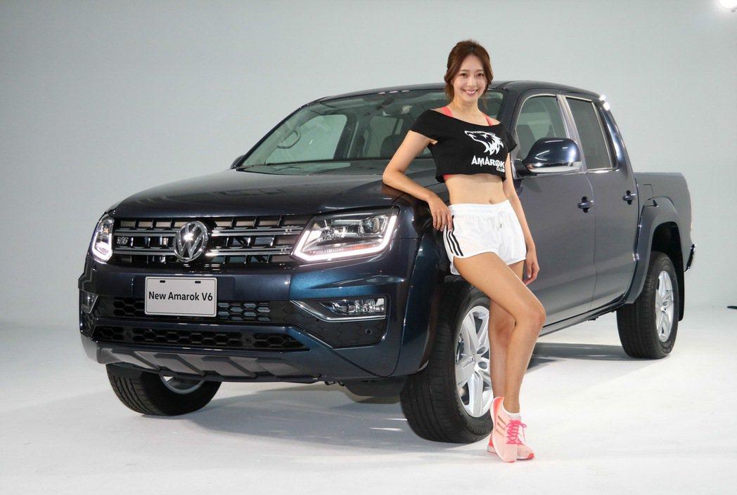 Amarok V6登台開放預購,名模王心恬助陣拍攝。 記者史榮恩/攝影
