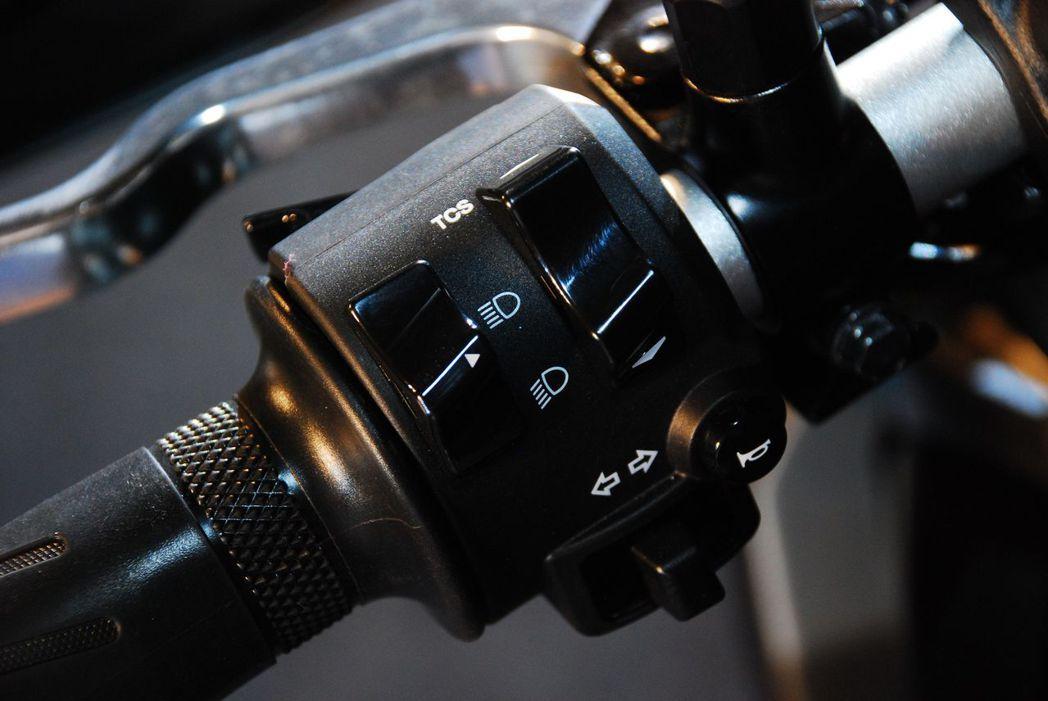 可以調整循跡防滑控制系統。記者林昱丞/攝影