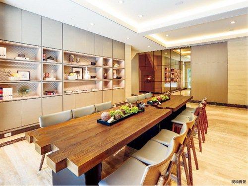 房價2字頭,享有飯店式管理、優質的圖書會議室空間等多項公設。