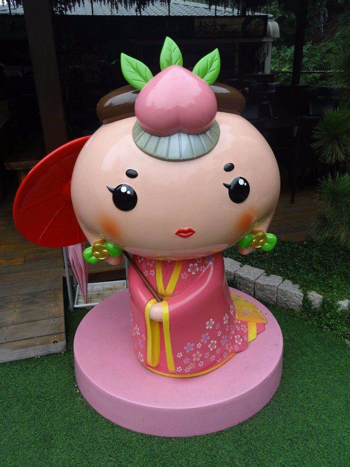 可愛的和菓子娃娃穿著和服,超級卡哇伊!(圖片來源/手信坊FB粉絲團)