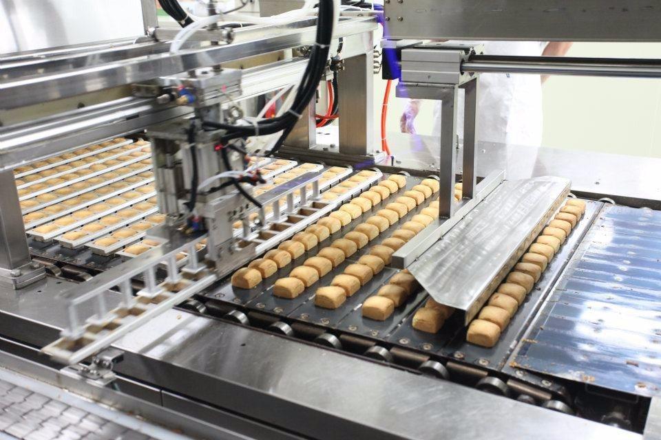 遊客可實地參觀鳳梨酥生產線,了解其製作過程。(圖片來源/維格餅家鳳梨酥夢工場FB...