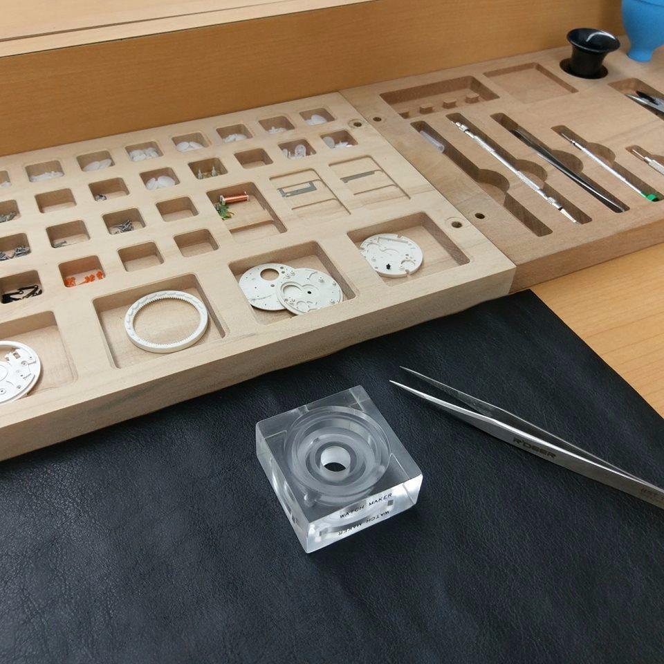 在製程參觀區,可以完整認識石英鐘機芯設計原理。(圖片來源/王鼎時間科藝體驗館FB...
