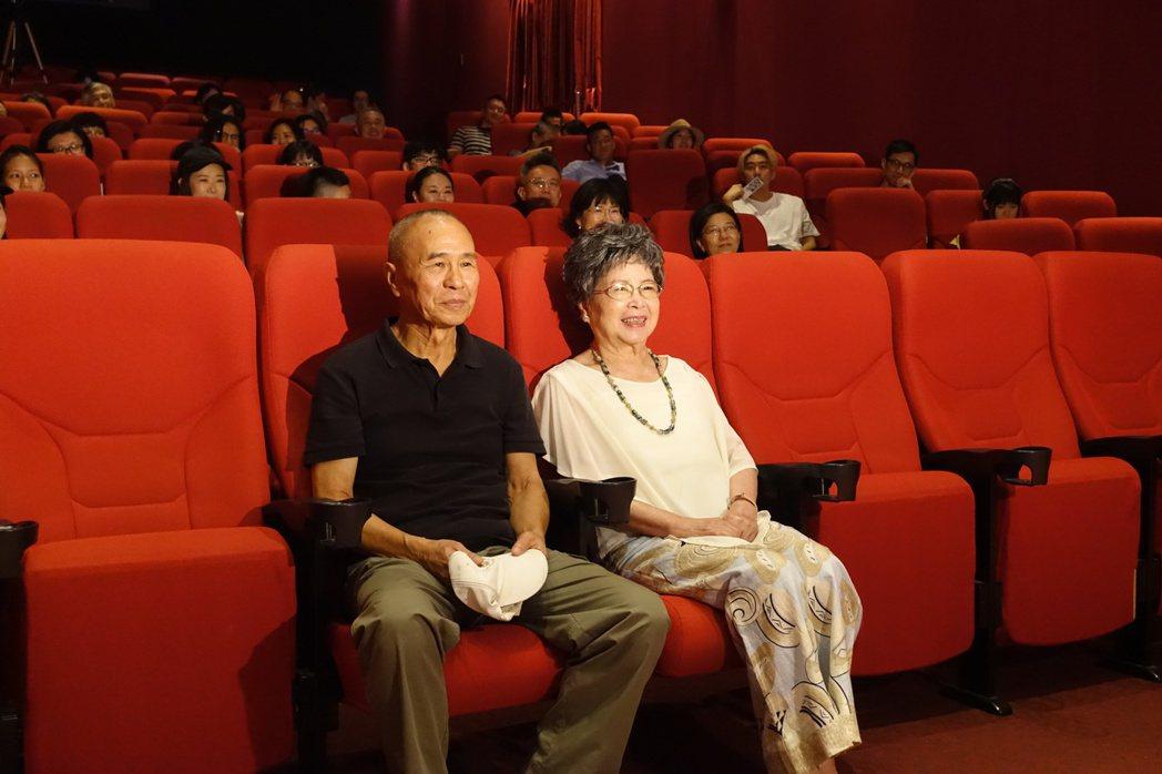 侯孝賢與梅芳再度欣賞「青梅竹馬」。圖/傳影互動提供