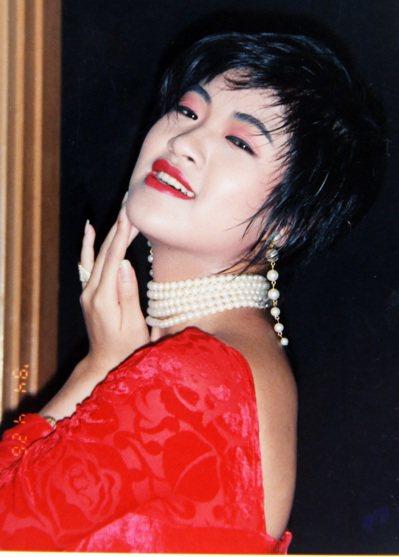 許淑華當年在藝工隊時的照片,外型亮麗。 本報資料照片