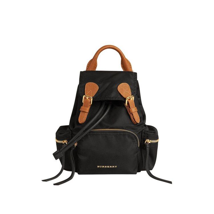 The Rucksack科技尼龍拼皮革小型軍旅背包,售價41,000元。圖/BU...