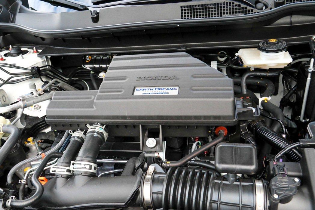 1.5L缸內直噴渦輪增壓引擎是全新Honda CR-V的動力來源。 記者史榮恩/...