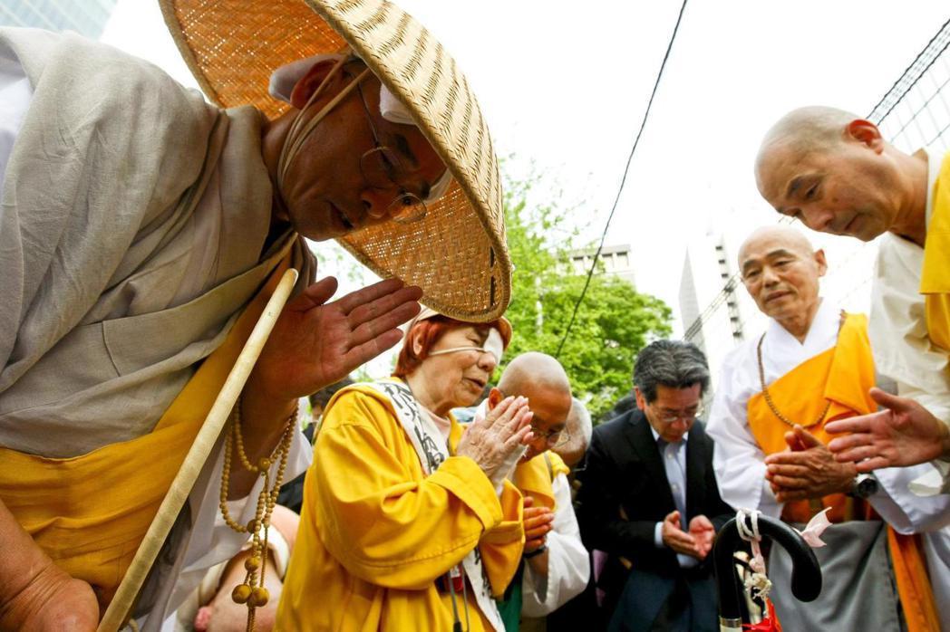 從開宗的鎌倉時代開始,宗祖日蓮就積極力諫當權者,想讓日本信仰「真正的佛法」以逃離...