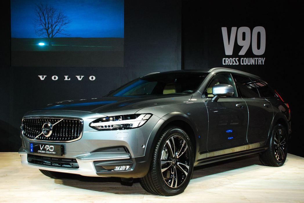 Volvo V90 Cross Country。記者林昱丞/攝影