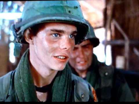 凱文狄倫在「前進高棉」中也不脫稚氣。圖/摘自imdb