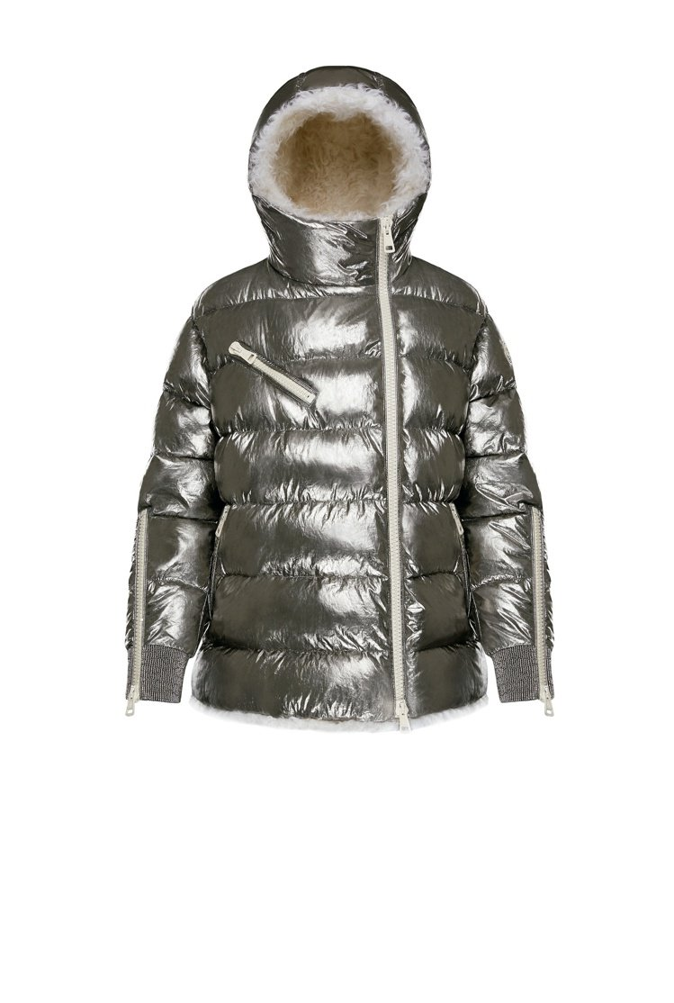 MOONRAY刷毛銀色女款羽絨外套,價格未定。圖/MONCLER提供