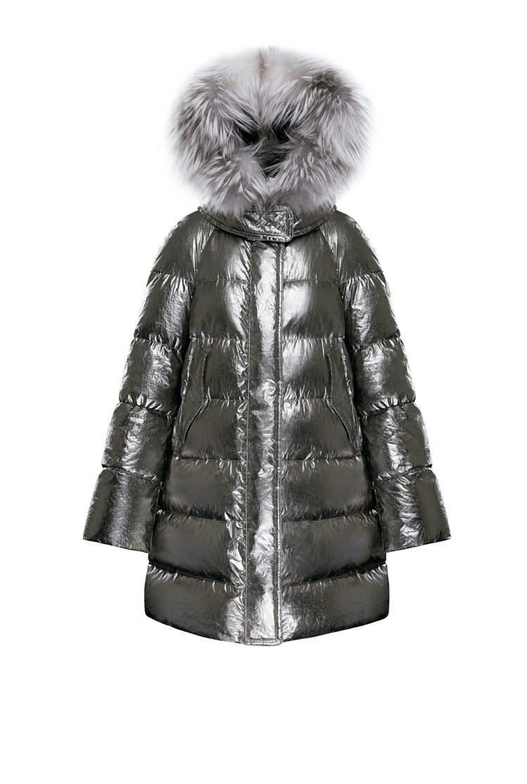MOONRAY兔毛滾邊銀色羽絨外套女款,價格未定。圖/MONCLER提供