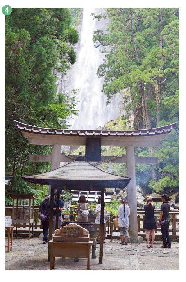 那智瀑布與飛瀧神社。