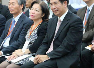 教育部長潘文忠(右)、技職司長楊玉惠(中)。技職3.0提供/黃偉翔攝影