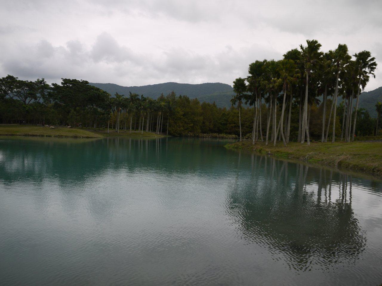 雲山水的人工湖泊「夢幻湖」,也不禁讚嘆雲山水的美景如詩如畫。記者徐庭揚/攝影