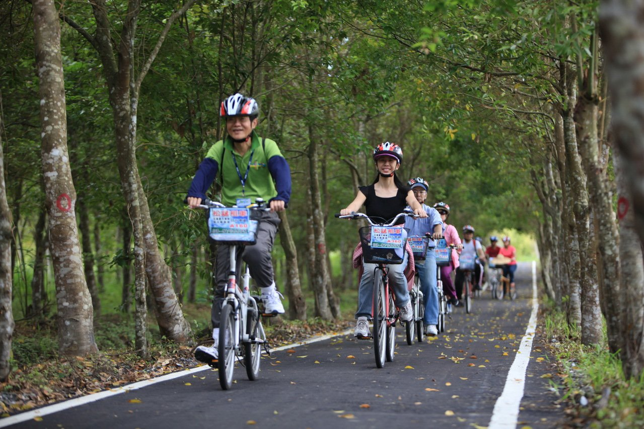 大農大富平地森林園區設有全國最長森林自行車道。圖/花蓮林區管理處提供