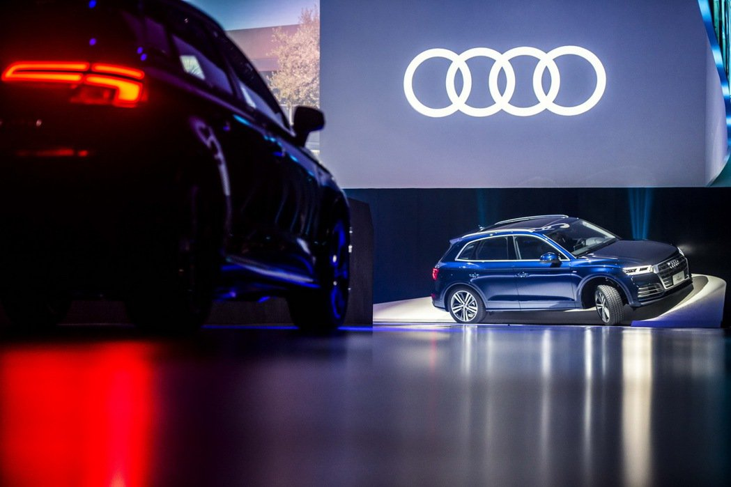 Audi Q5搭載quattro ultra智慧型四輪傳動系統,可預先偵測,確保...