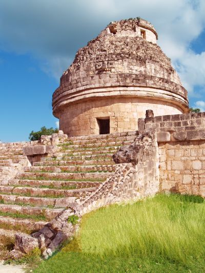 橢圓形天文台(El Caracol)又名蝸牛,取名字建築內螺旋狀的石梯。(Pho...