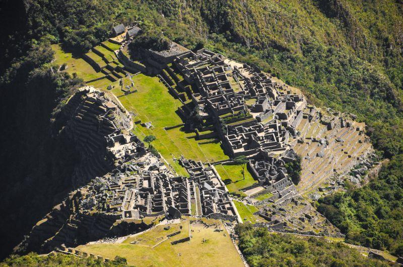 由高處俯瞰層層疊疊的古城,宛如外星球場景。(Photo│123RF)