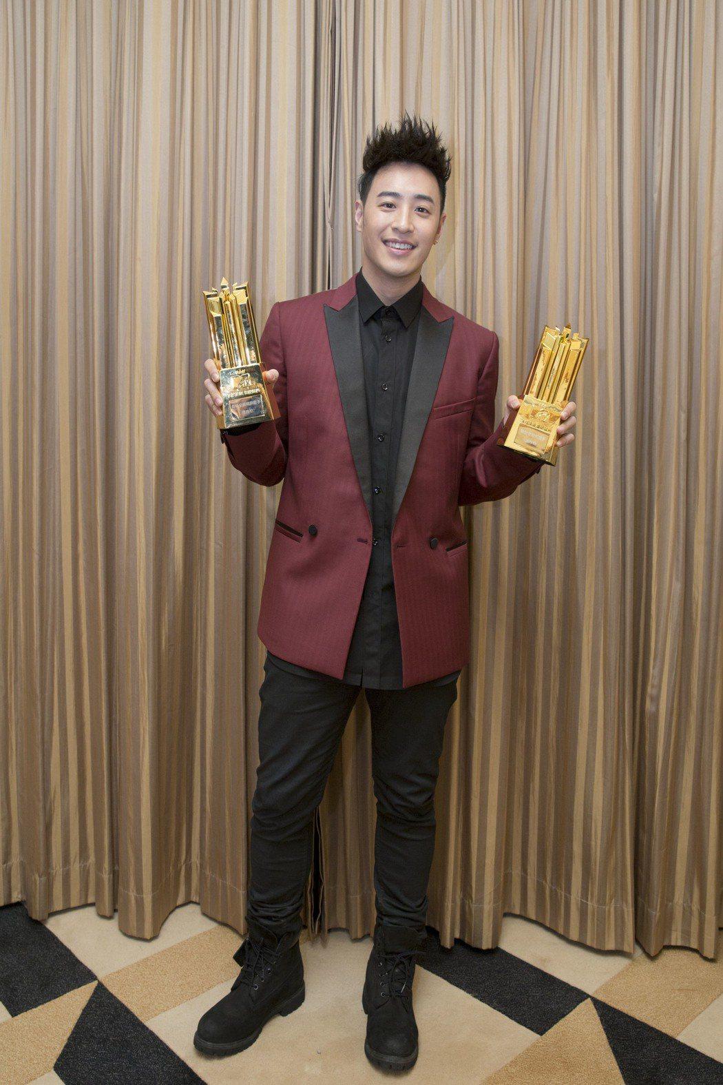 潘瑋柏在MTV全球華語音樂盛典中獲得「最佳全能唱跳歌手」及「最受歡迎男歌手」。圖...