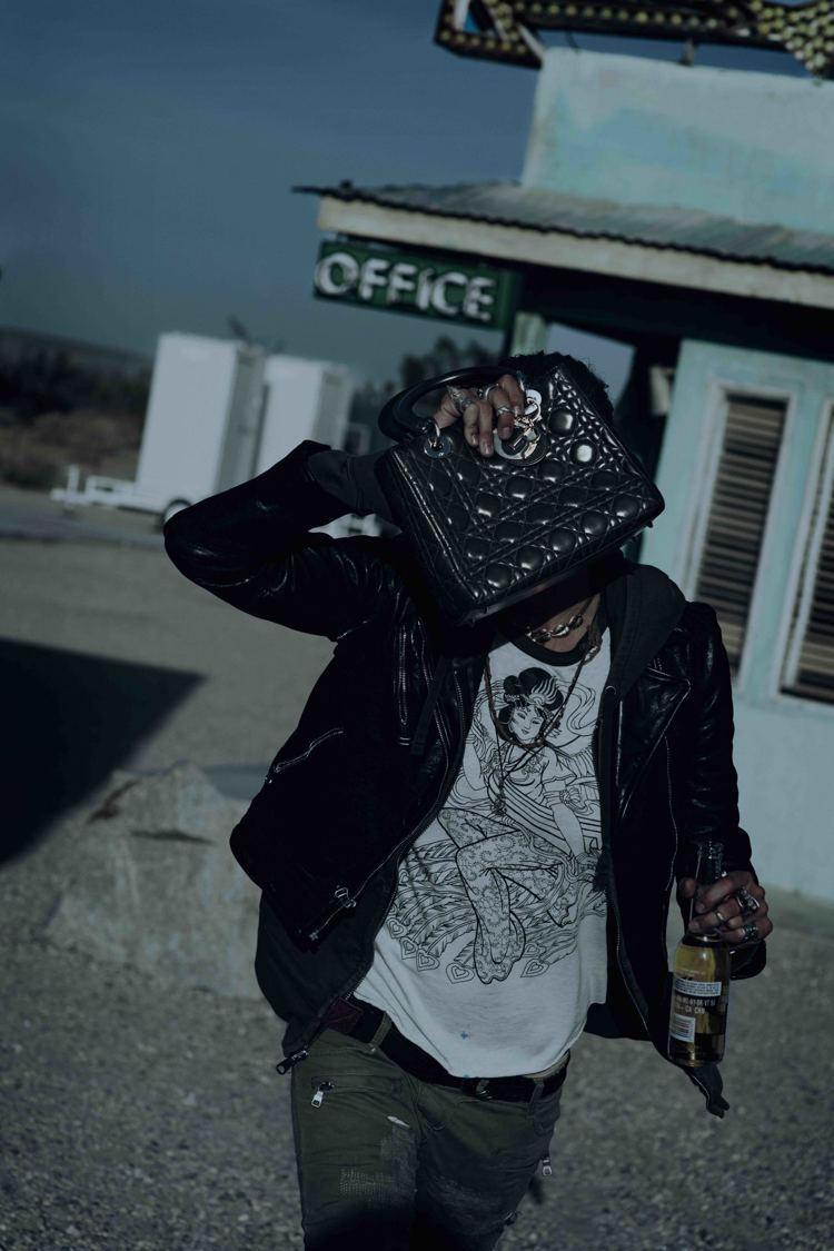 德國攝影師彼得林德伯格的「Daria Werbowy」呈現荒涼的冷靜。圖/Dio...
