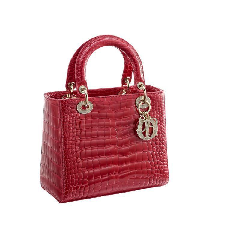 Lady Dior紅色鱷魚皮鑲鑽中型款提包,售價72萬元。圖/Dior提供