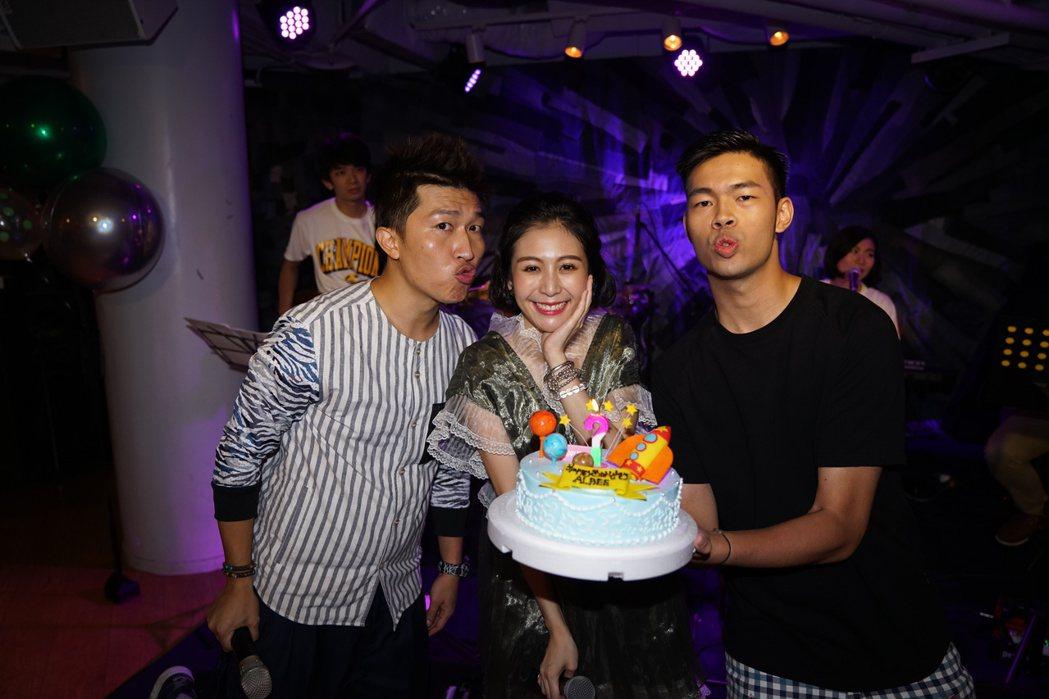 張立東(左)和陳大天(右)出席Albee的生日音樂會。圖/時代創藝提供