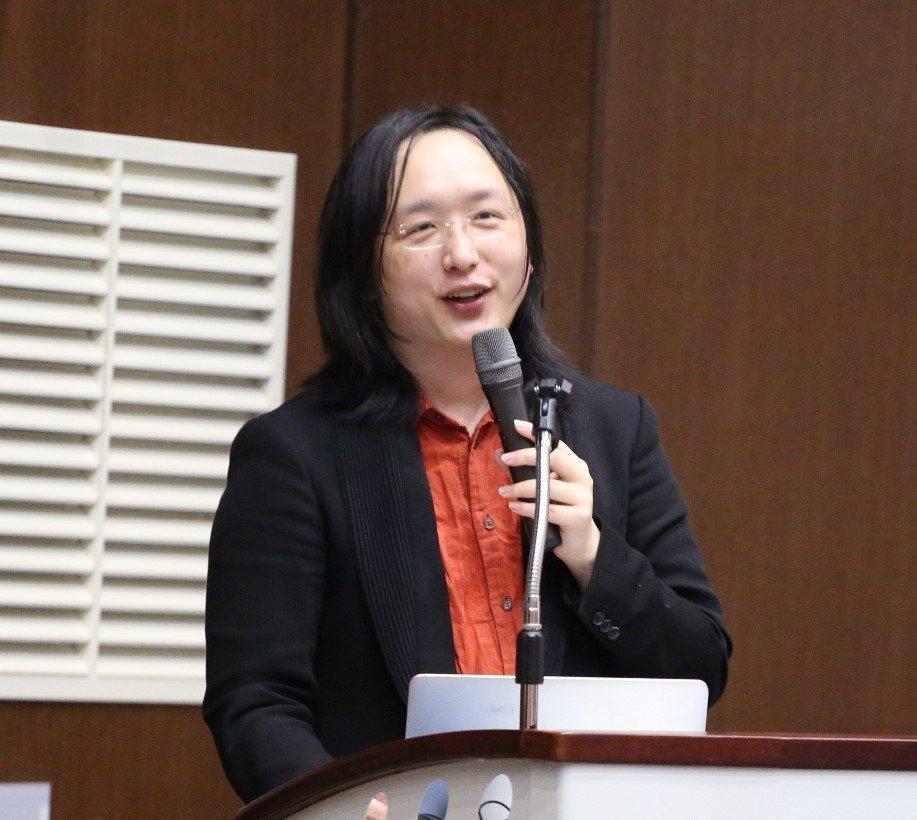 行政院政務委員唐鳳認為,政府不應介入網路消息「真實查核機制」。 本報資料照片