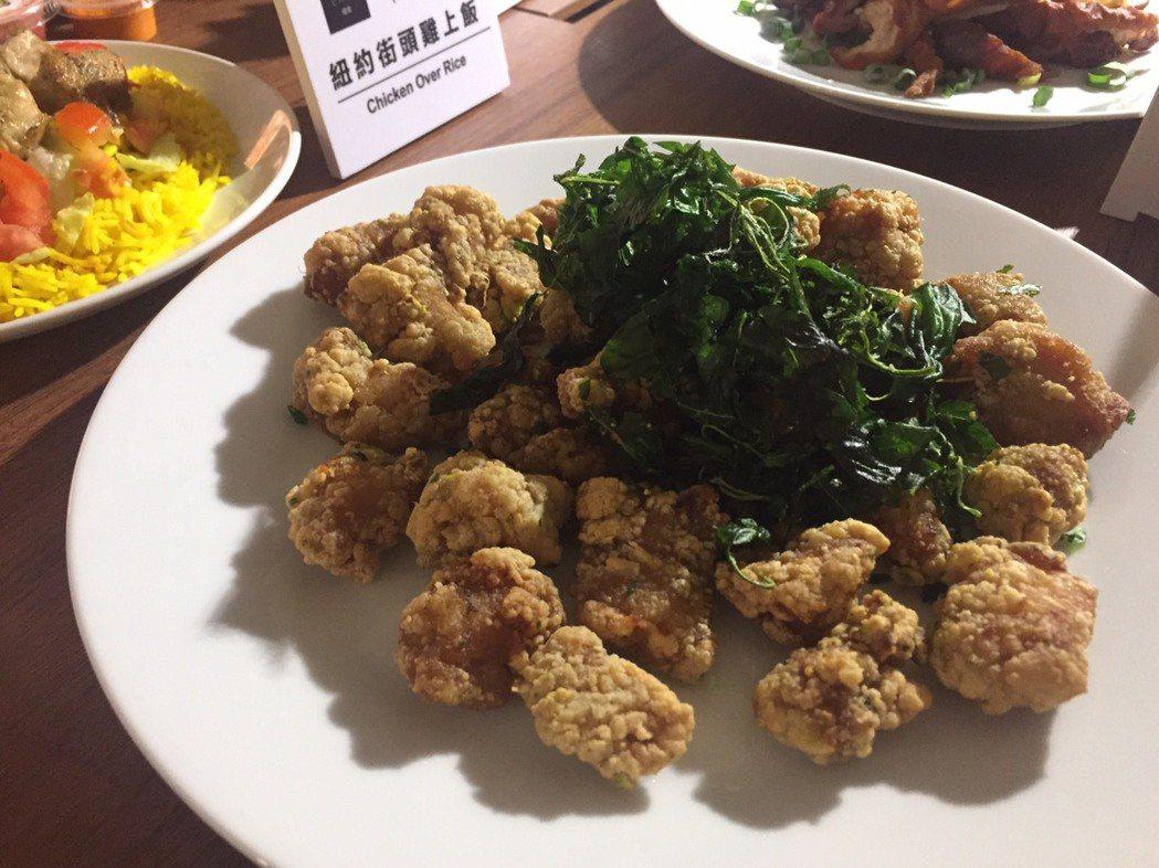 UberEATS送餐服務十大人氣美食,國民美食鹹酥雞拿第一名。 記者侯俐安/攝影