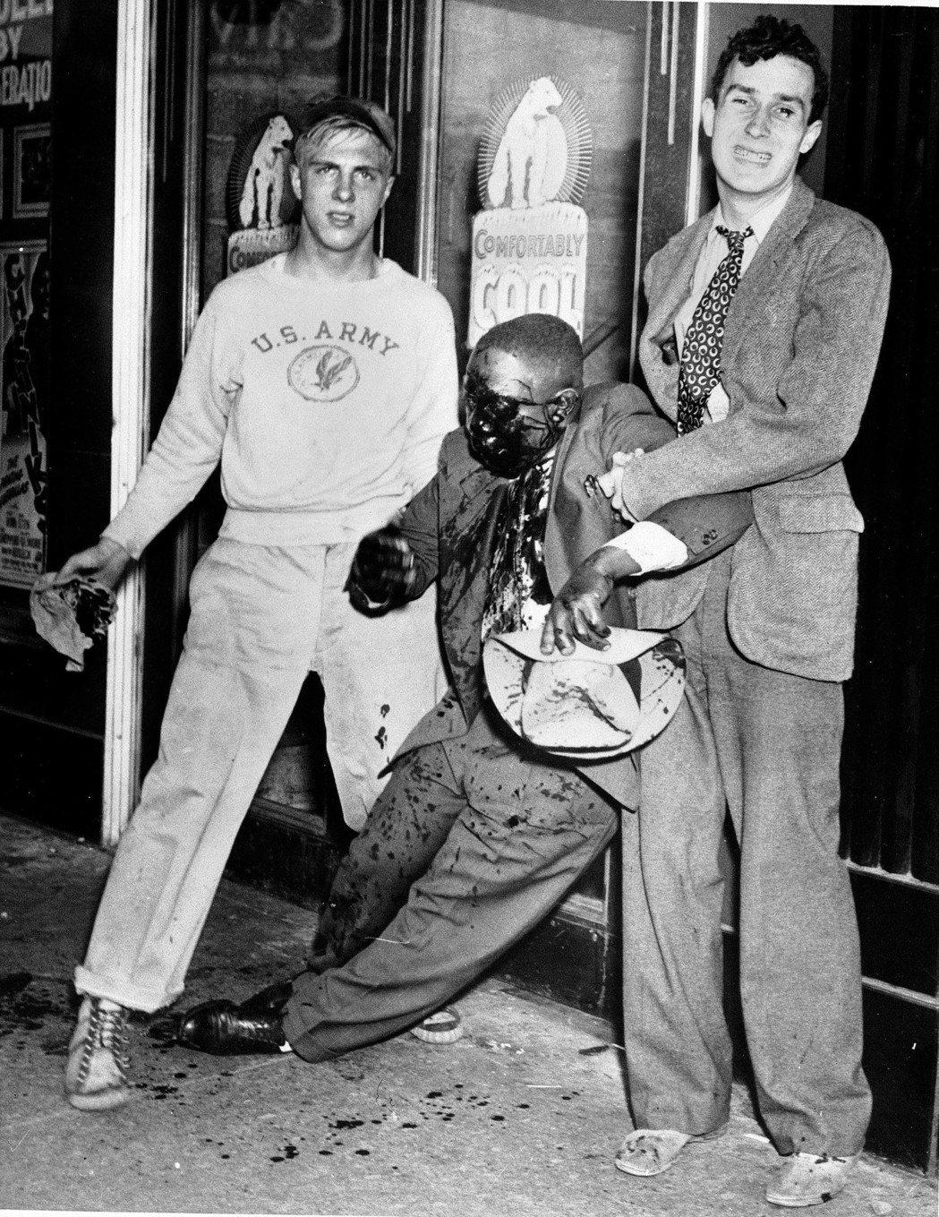 或許有人會問,黑人民權法案不是已經在1964年就通過了嗎?種族隔離政策不是已經取...