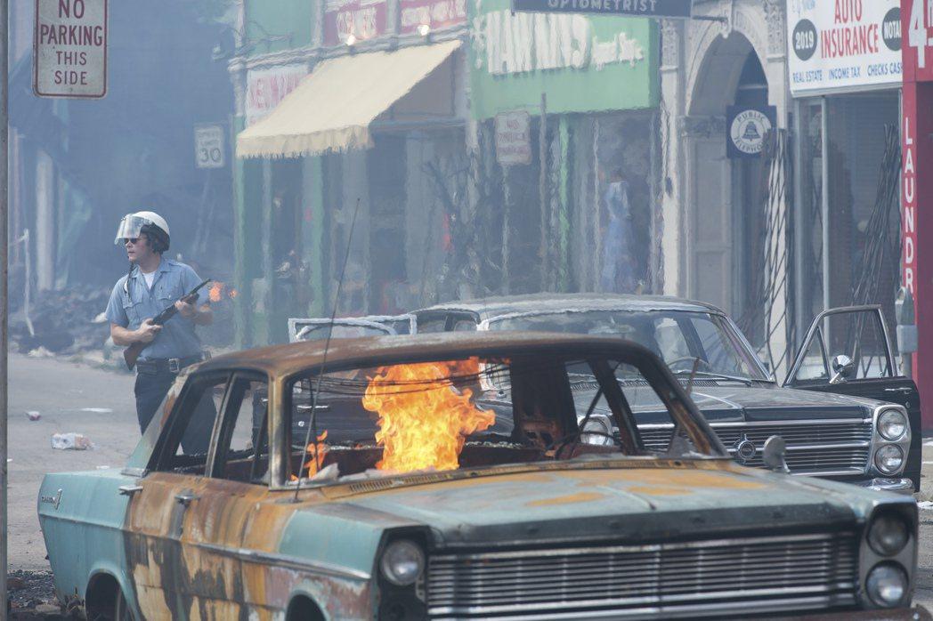新電影《底特律》也將在8月4號,選擇在這座失落的汽車之城底特律首映。 圖/美...