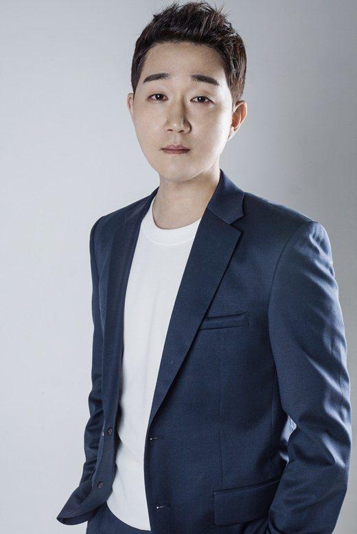 崔勝元康復後簽約新公司重啓演藝活動。 圖/Zenstars娛樂