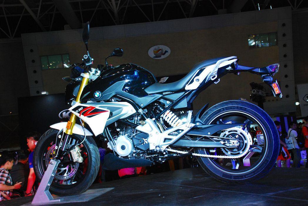 BMW Motorrad發表新G310 R。記者林昱丞/攝影