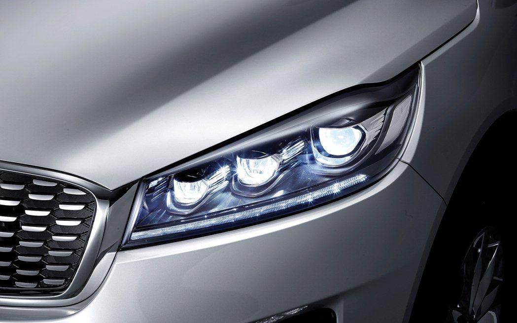 LED三圓式頭燈。 摘自Kia Korea