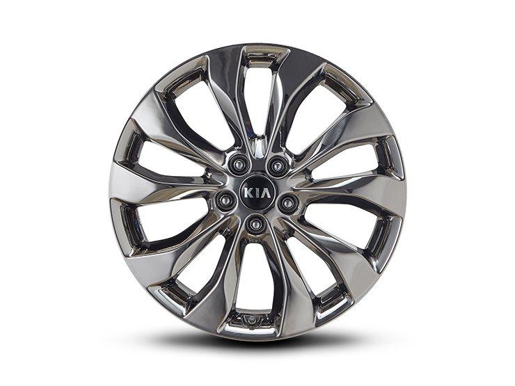 多幅式設計的19吋鋁圈。 摘自Kia Korea