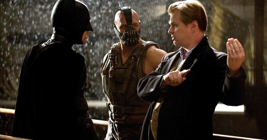 克里斯多夫諾蘭曾以「黑暗騎士」三部曲在全球橫掃24億美金(約新台幣768億)。圖...
