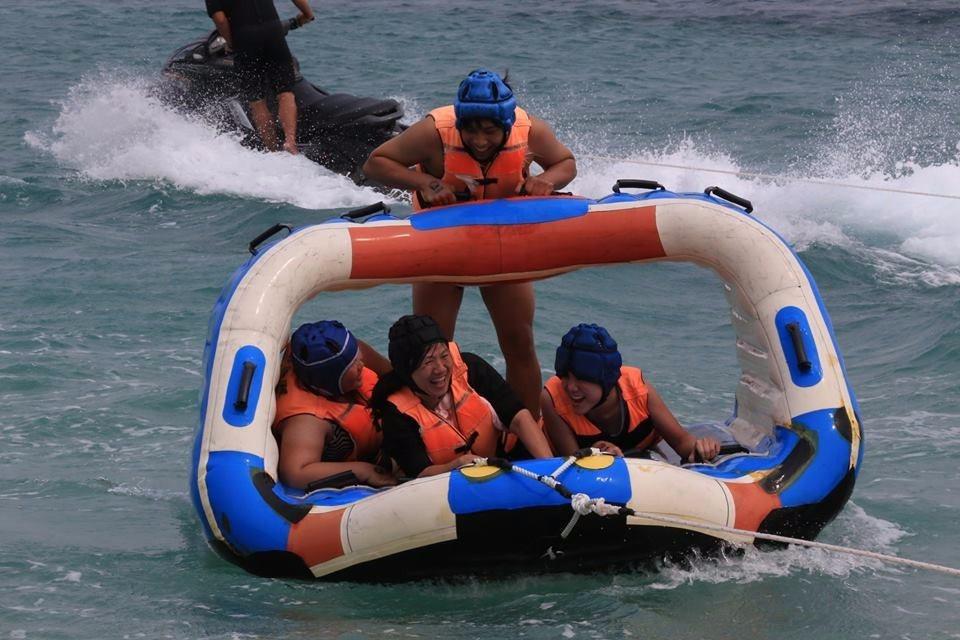 遊客熱愛到吉貝玩水。(圖/旅途中)