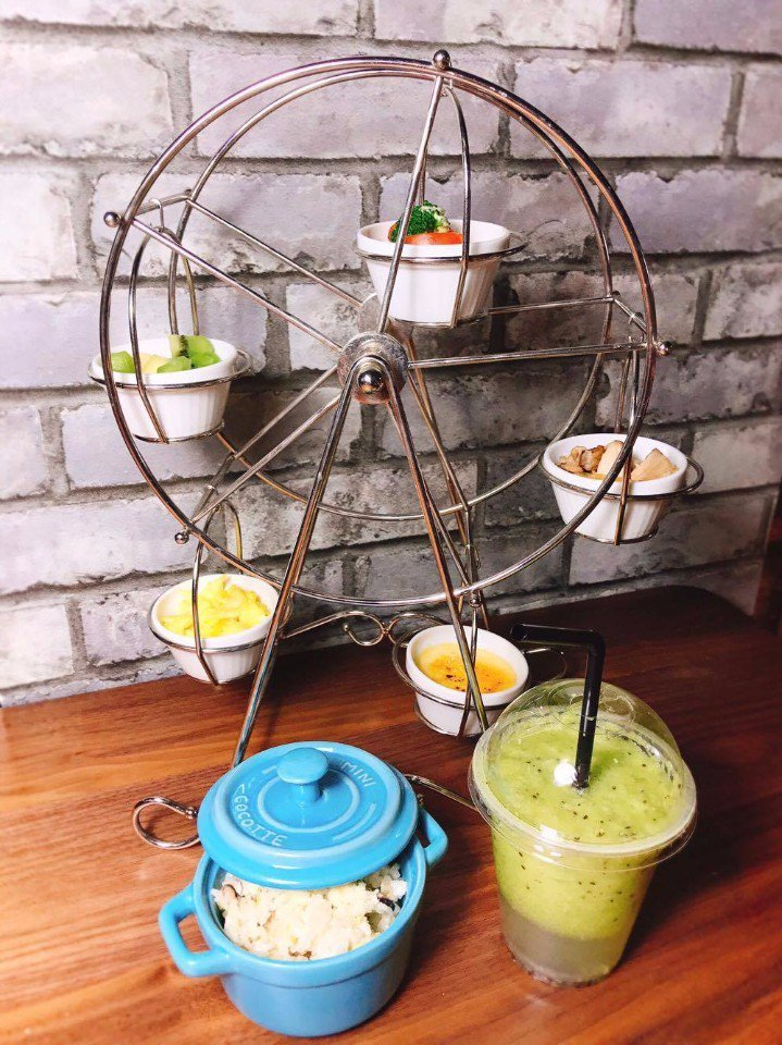 造型特別的摩天輪兒童餐,好拍又美味!(圖片提供/樂福餐廳)