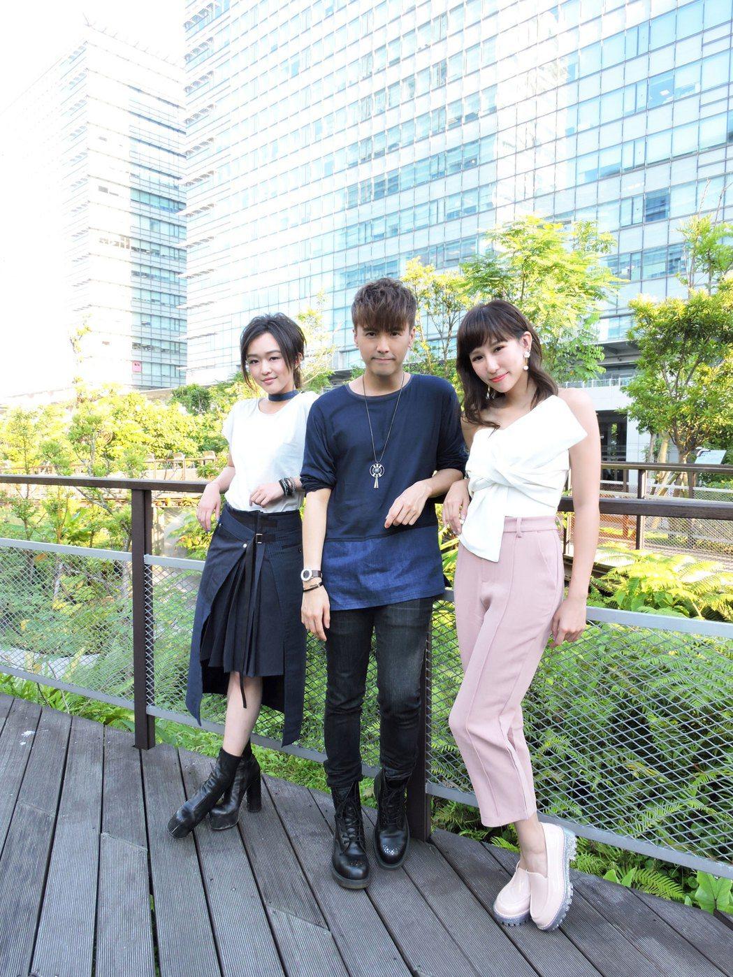 陳明熹(左起)、何維健、潘嘉麗為「鐘樓怪人」唱原聲帶。圖/太陽娛樂提供