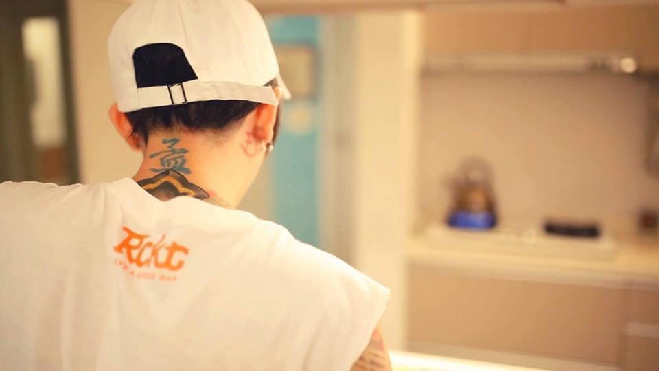 謝和弦拍攝《光害》MV呈現桃米民宿、虎頭山等特色景點,短短4小時就拍攝完成。圖/...