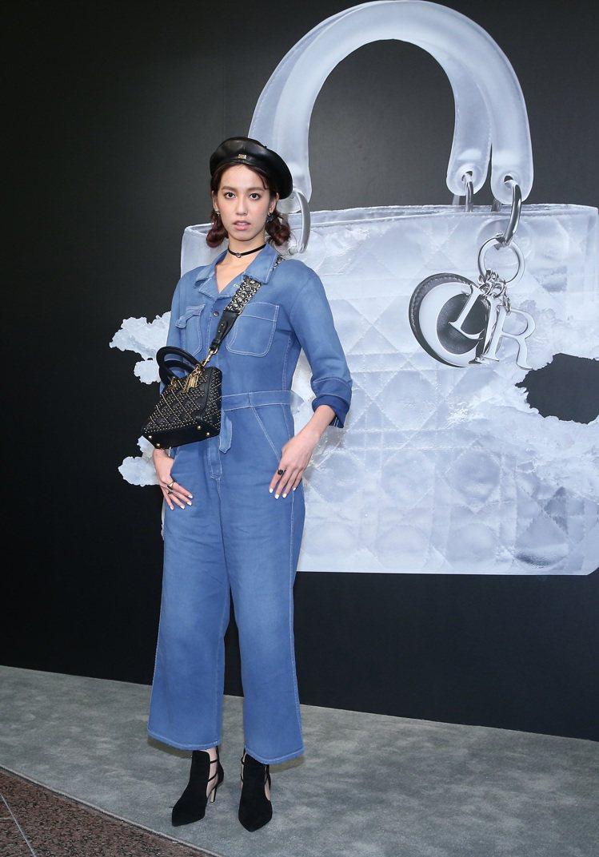 陳庭妮以工作服風格的丹寧系列登場。圖/記者陳柏亨攝影