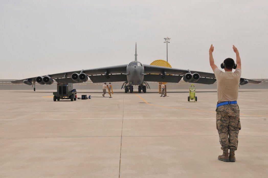B-52參加過越戰、波灣戰爭、阿富汗戰爭,美軍仍持續對B-52進行改良,預期可服...