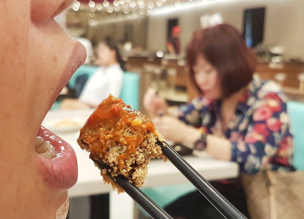 很多人從大學開始成為外食族。 圖/報系資料照