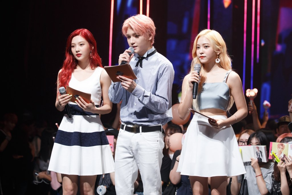 NCT127的泰容和Red Velvet一起主持。圖/KKBOX提供