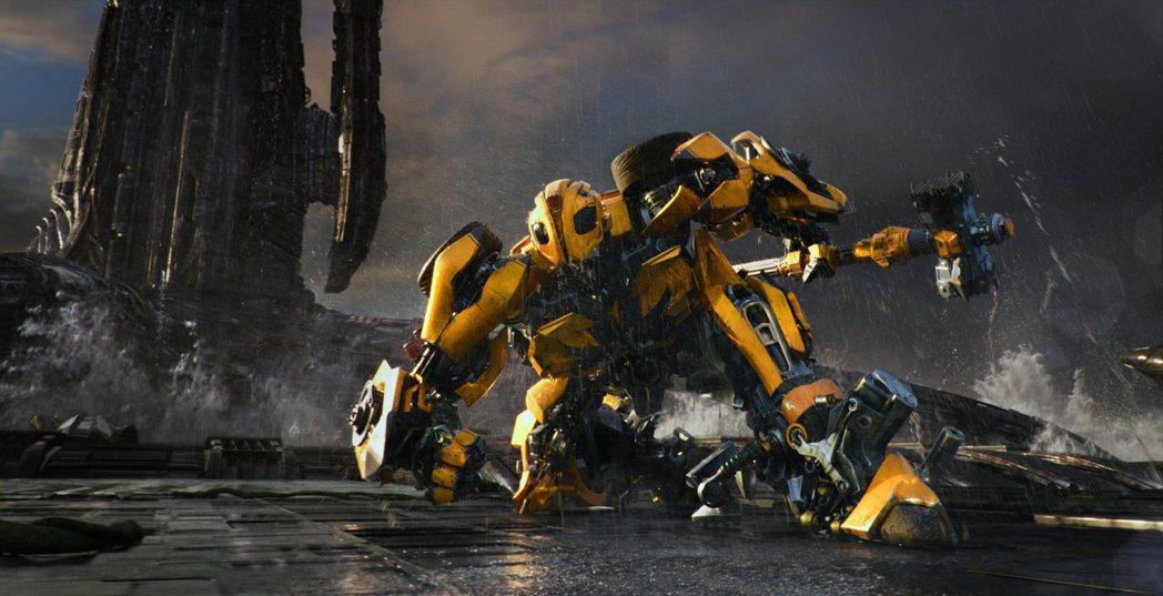 「變形金剛5」美國票房跌到系列谷底,姊妹篇「大黃蜂」預算緊縮。圖/摘自imdb