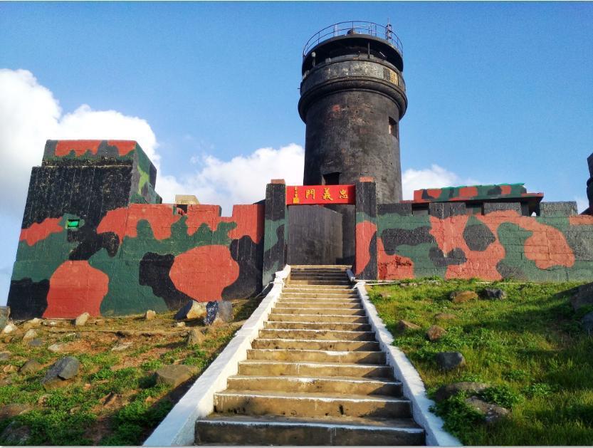 具有142年歷史的金門縣定古蹟烏坵嶼燈塔,今年7月有望復燈。 照片由交通部航港局...
