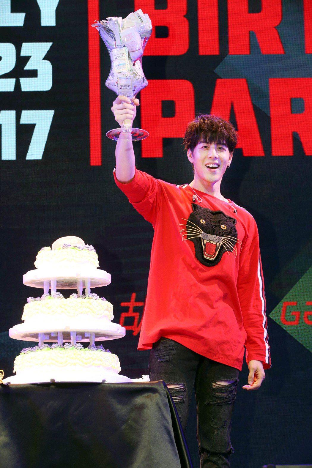 胡宇威舉行35歲的生日會。圖/寶麗來國際娛樂提供