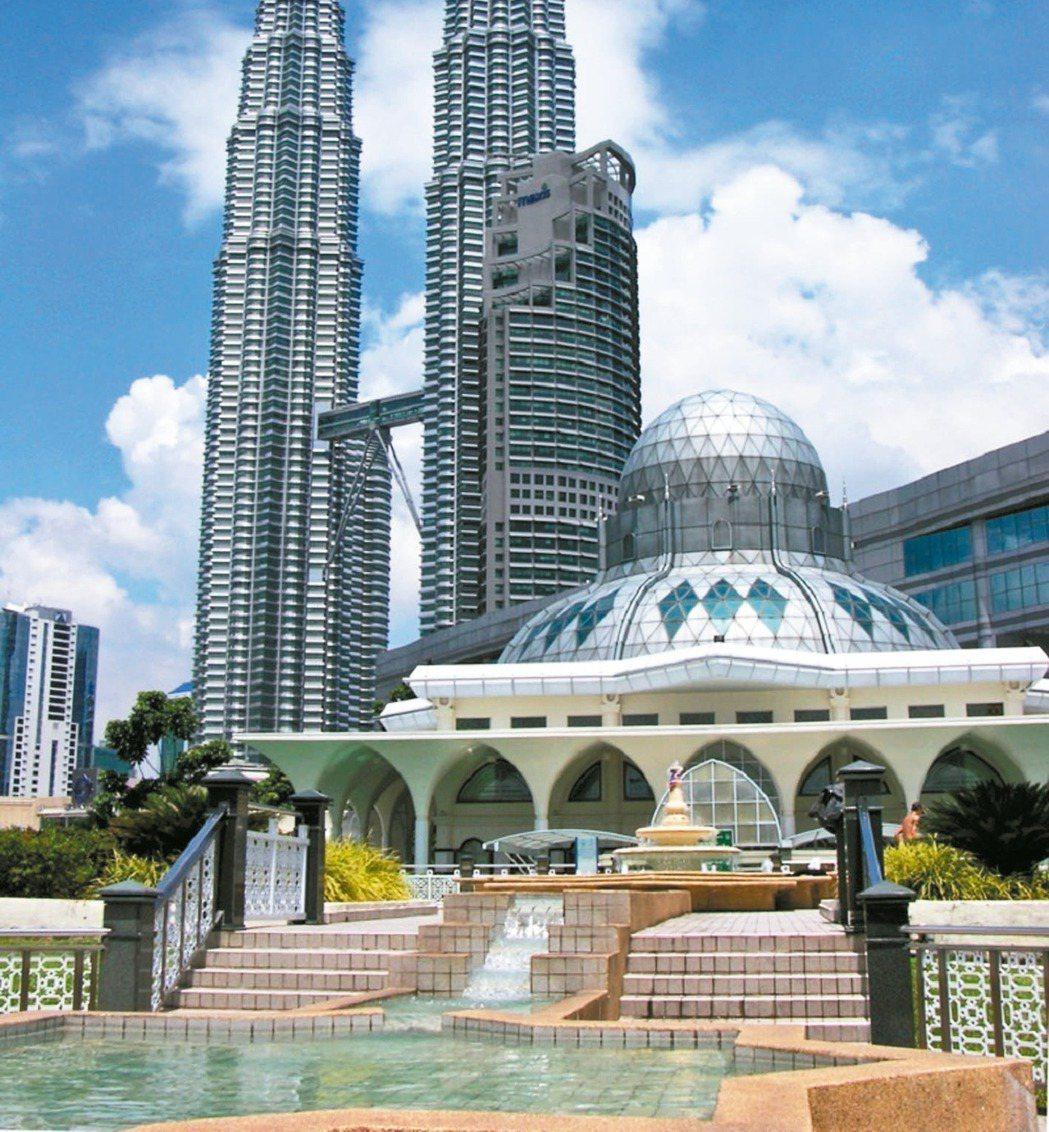 馬來西亞吉隆坡城中城(KLCC)1992年才投入建設發展,不過在政府大力發展的2...